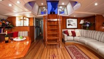 Sailing yacht APACHE -  Salon